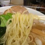 らーめん山猫亭 - 中太麺
