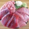 海鮮居酒屋 山傳丸 - 料理写真:まぐろ三色丼