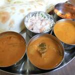 シリ バラジ - 三種カレー