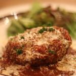 近江牛Steak&Wine モダンミール - ハンバーグも美味しいソースで肉感たっぷり
