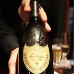 蕃 YORONIKU - Dom Pérignon