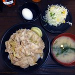 伝説のすた丼屋 新潟駅南店 - すた丼+プチサラダ