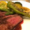 ビストロ パニエ - 料理写真:肉料理 ブラックアンガス牛肩ロースのポアレ 季節野菜のグリル添え エシャロットと赤ワインのソース