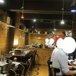 ステーキ&焼肉 食べ放題 300B ONE - 店内の様子