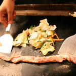 鉄板酒場 焼酎ミュージアム - 【和牛ホルモンの塩焼き】680円税抜 最高の和牛1頭分の大腸を仕入れた時のみ