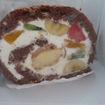 洋菓子工房 ケーキ屋 shimizu - フルーツたっぷりのロールです