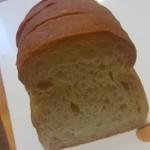 73188116 - 国産小麦バター食パン(130円)