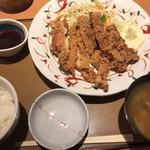 やよい軒 - 料理写真:鶏もも1枚揚げ定食