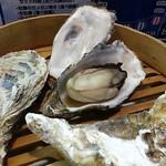 かき小屋フィーバー@BLUE JAWS 名古屋烏森店 - セイロ蒸し牡蠣