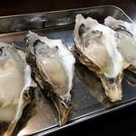 かき小屋フィーバー@BLUE JAWS 名古屋烏森店 - 生牡蠣
