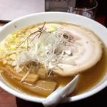 ラーメン由 - 料理写真:醤油ラーメン(780円)