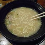 九州らーめん学金 - ¥650(太麺投入後)
