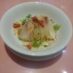 里弄 - 中華風鮮魚のお刺身サラダ(真鯛)