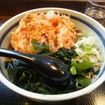 蕎麦一心たすけ - 天ぷらそば(わかめはサービス)