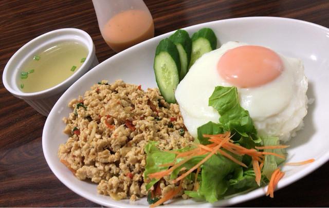 タイ料理\u0026カフェ ガパオ ,
