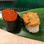 磯寿司 - 『バフンうに』と『いくら』