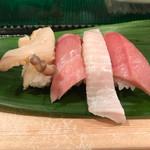 磯寿司 - 『中トロ』、『平目のエンガワ』、『大トロ』、『ホッキ貝』