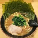 73211371 - 海苔ラーメン700円(ラーメン+100円)麺硬め。タイムセールで600円。