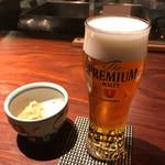根っこや - まずは生ビールで一杯