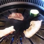薩摩 牛の蔵 梅新店 - 焼いてます