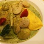 モレット -   ホタテと野菜のバジルソースオムライス(1,300円)