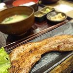 73212492 - 豊熟もち豚バラ黒胡椒焼き定食