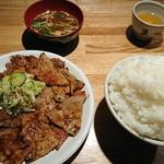 73215141 - 肉大盛り定食のさらに肉大盛(ごはん大盛)