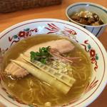 中華そば 呵呵 - 塩 (細麺) 760円 + 小チャーシュー丼 260円
