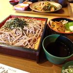 一休 - 料理写真:さんまおろし丼とそばセット