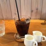 カフェ ド ガモヨン - アイスコーヒ〜(^。、^)/+¥100円