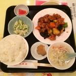 73231862 - 酢豚定食