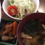 オサンポ - サラダ、みそ汁、炊き合わせ
