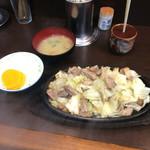 びっくり亭 高宮店 - 料理写真:焼肉一人前800円 ライス(小)150円