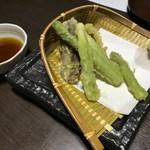 矗々家 - アスパラと椎茸の天ぷら
