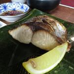 いまが旬 あ・うん - 料理写真:鰆塩焼きとミニ天ぷら定食1620円