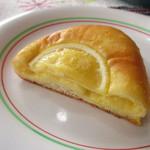 カメリアテイクアウトコーナー - レモンクリームパン ¥200