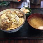 栄楽 - 料理写真:カツ丼850円