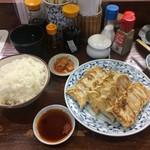 テムジン - 焼き餃子2、ごはん大