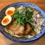 必死のパッチ製麺所 - 飛魚味玉そば ※麺大盛