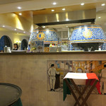 ピッツォランテ スパッカ ナポリ - 入ってすぐにピッツア窯