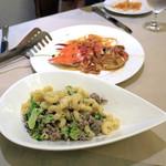 ピッツォランテ スパッカ ナポリ - 挽き肉とブロッコリー