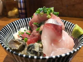 寿製麺 よしかわ - 「海鮮丼」400円