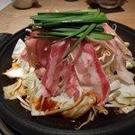 鮮魚と郷土料理の店 たつと - スタミナ陶板焼き
