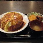 ふらいぱん - メガオムライス 大盛り(750円) ※大盛り無料
