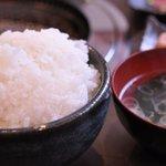 熔岩焼肉 牛火 - ごはん(大盛り)スープ