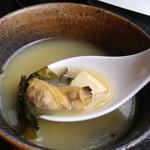 Ippinhinabe - お替り自由な汁は日替わり、この日は浅利ちゃんが大量にイン
