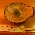 三平 - 料理写真:たらの鍋