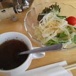 レストラン 一本松 - オニオンスープとサラダ