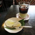 73268411 - デザート: パッションフルーツのゼリー&アイス・ベトナムミルクコーヒー