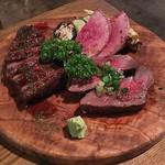 73268514 - 2種盛りのお肉